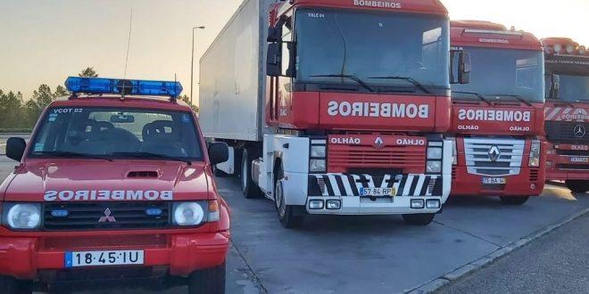 Bombeiros Municipais de Olhão transportam equipamentos para Hospital de Faro